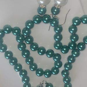 Metallic green south sea shell pearl necklace set